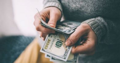 6 Ways Singles Can Keep Cash In Their Wallets